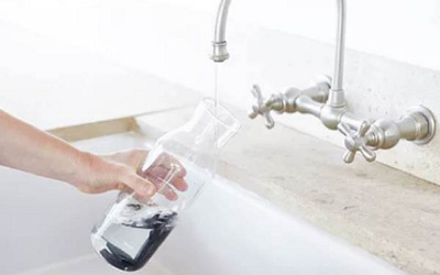 Weetulip : une solution pratique pour battre le fléau des bouteilles d'eau en plastique