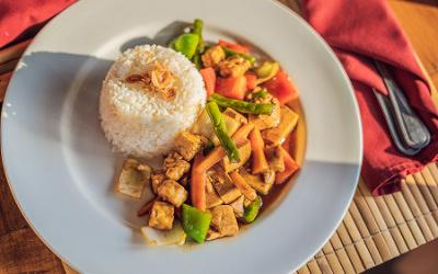 Curry de tofu par Lina Charlot